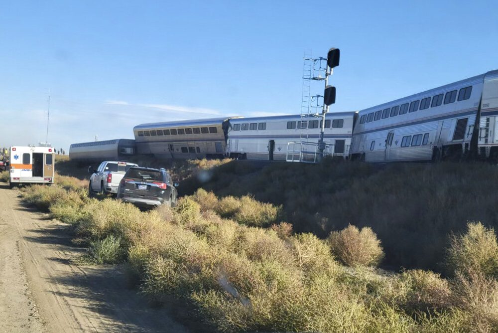 Sheriff's Office: At least 3 killed in Amtrak derailment