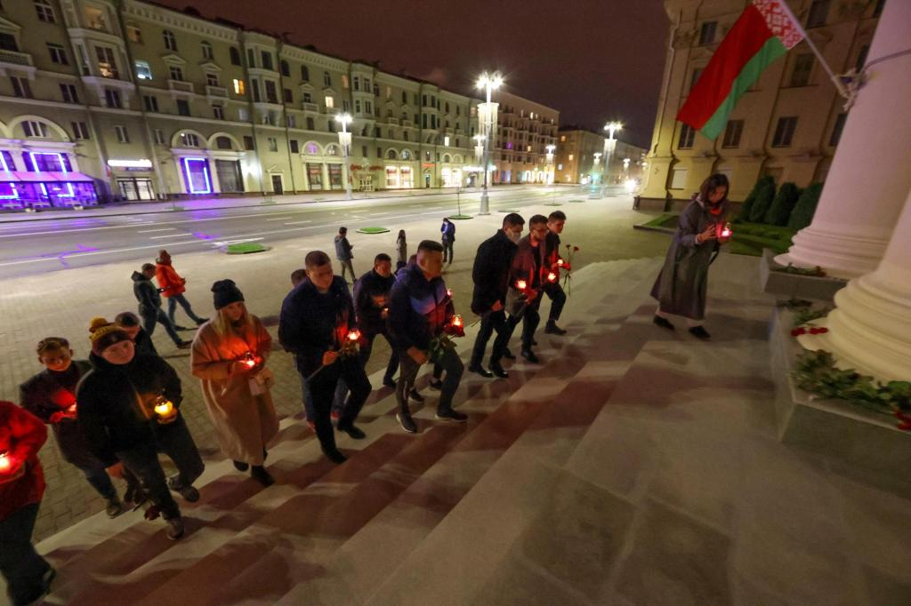 Unsatisfied, KGB .  Belarus blocks news site after the death of