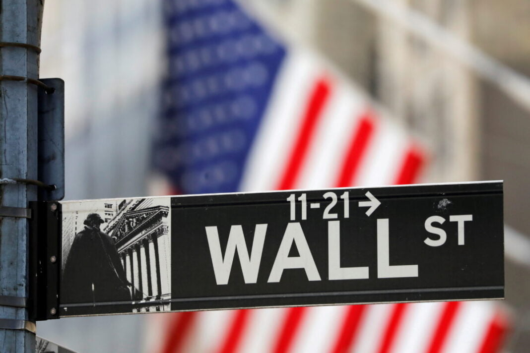 Wall Street is rising, but steeply tracks monthly losses
