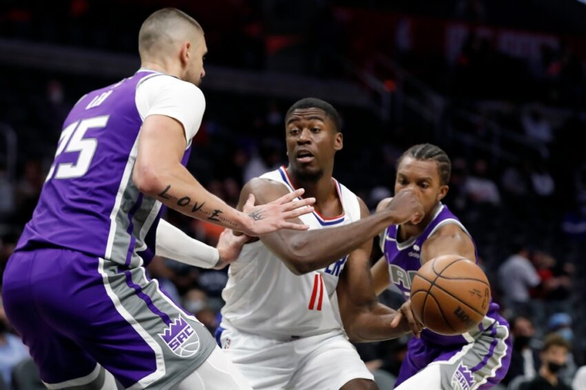 Clippers forgive George King, Moses Wright
