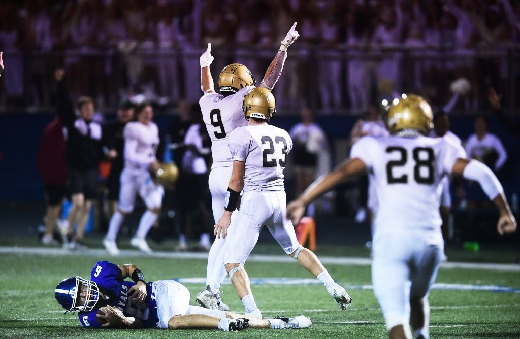 High school football: Late game chaos leads to East Ridge victory over rival Woodbury