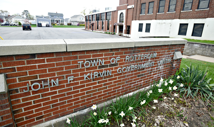 Proposed Rotterdam budget calls for tax increase
