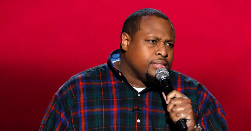 Ricarlo Flanagan, a comedian who contracted Covid, dies at 41.