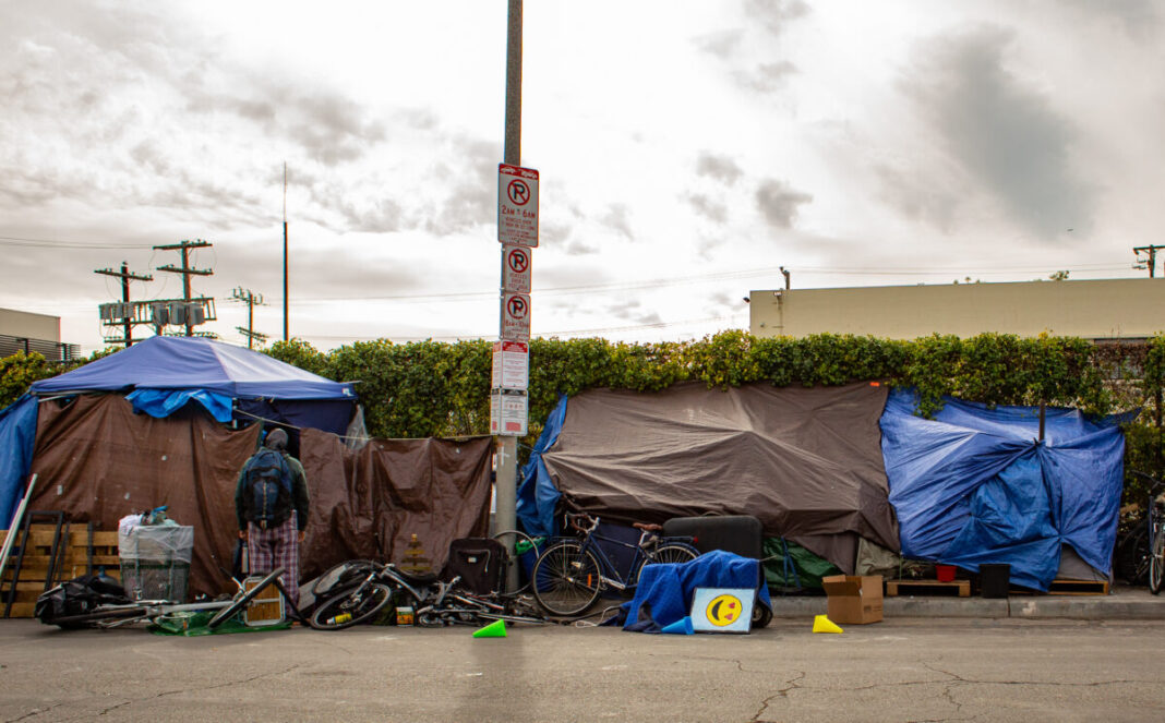 The Los Angeles Homeless Shelter is temporarily closed