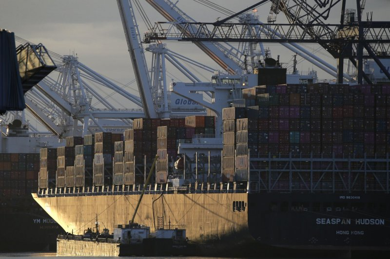US trade deficit widens to record $73.3 billion in August